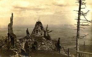 Hier das Jägerdenkmal im Jahre 1917
